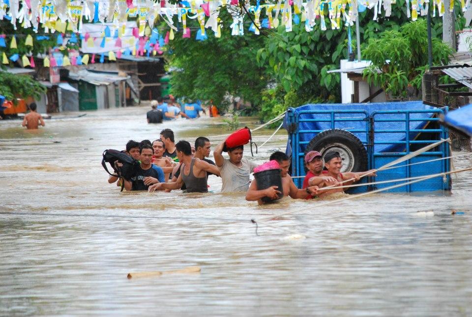 kalamidad na naganap sa asya Ang mga disaster management agencies ay abala na sa pagtugon sa emergencies at kalamidad ano ang gagawin kapag malakas ang bagyo manatili sa loob ng bahay at maging kalmado.