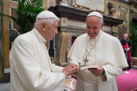 Ika-65 anibersaryo sa pagka pari ni Pope Emeritus Benedict gisaulog sa Vatican
