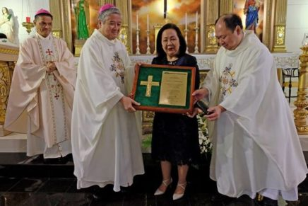 CBCP gives highest award to pro life lawyer