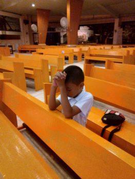 boy praying san antonio de padua agdao