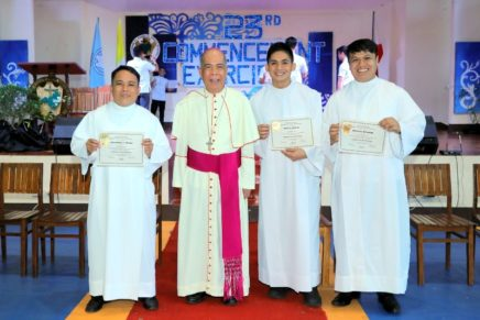 Priest to seminarians: Stay in love with God