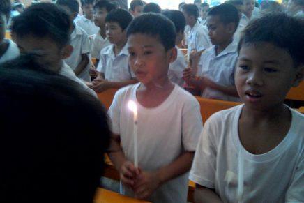 Ginikanan giawhag: Dal-on ang anak sa simbahan
